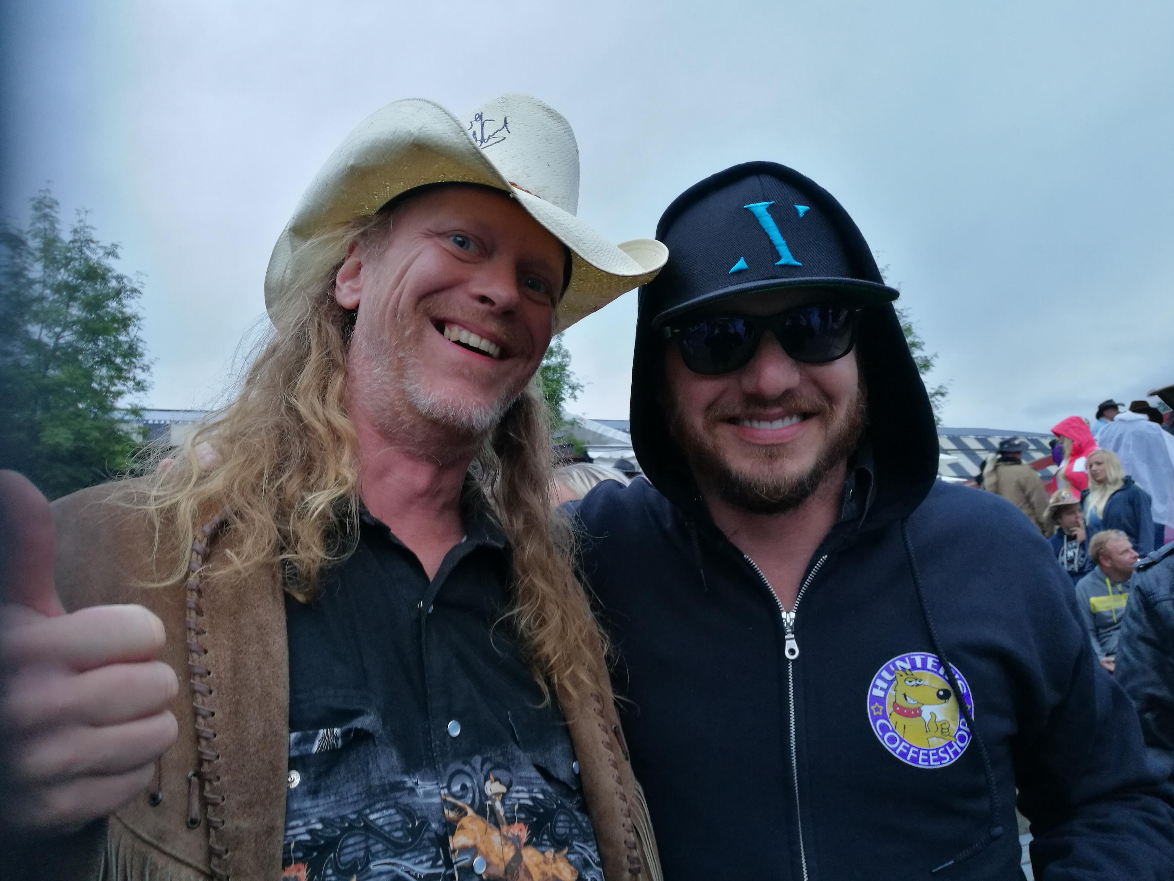 Jon (American Young) og Cowboy